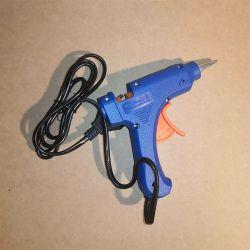 Pistolet à Colle Outils 6,90€