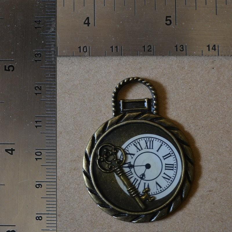 Clock Key Charm Charms and Pendants 1,20€