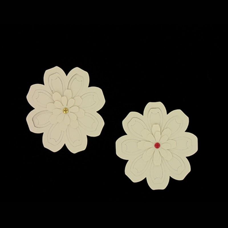 Flowers cut & Brads 01 Scrap'n'Design Tag - paper cut-stickers 2,40€